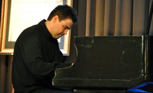 """Pierwszy koncert """"XXII Śląskiego Festiwalu Ziemi Prudnickiej im. Ludwika Van Beethovena"""""""