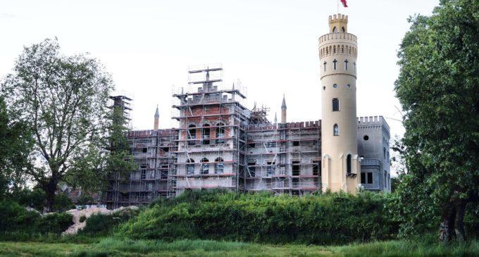 Pałac w Dobrej – szansa i niewiadoma