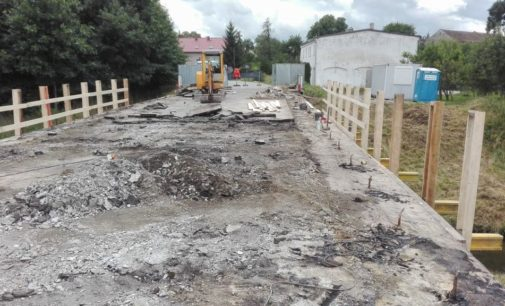 Trwa remont mostu w Skrzypcu