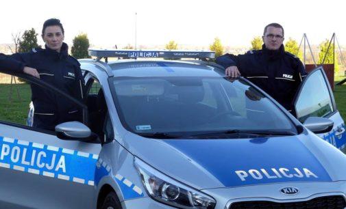 W Łące Prudnickiej policja uratowała rodzinę
