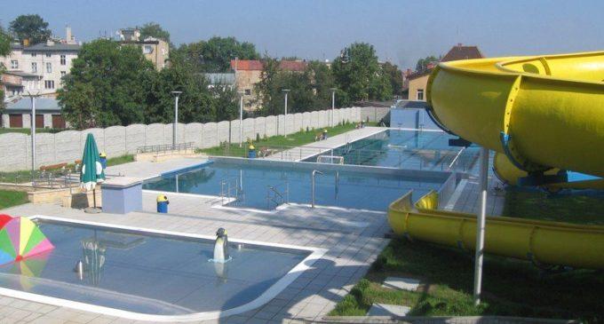 Głogówek: będą dogrzewać wodę w basenie