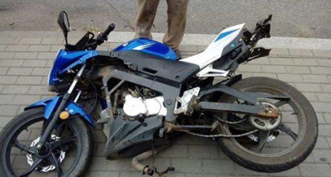 16-latek motorowerem wjechał w busa