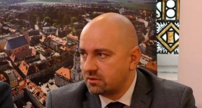 Rezygnacja Arrivy: burmistrz zbulwersowany