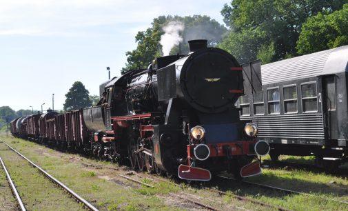 Stacja w Racławicach znów węzłowa i powrót kolei na ziemię głubczycką. O krok bliżej