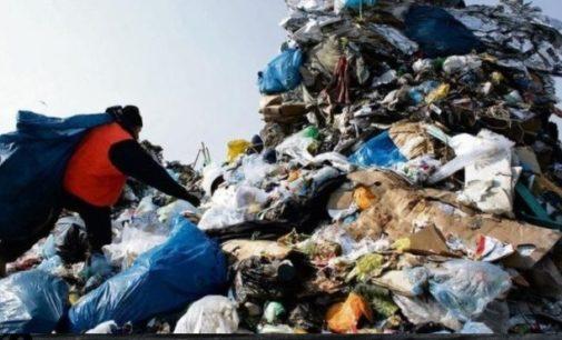 Gminy kontra EKOM. Co dalej ze śmieciami?