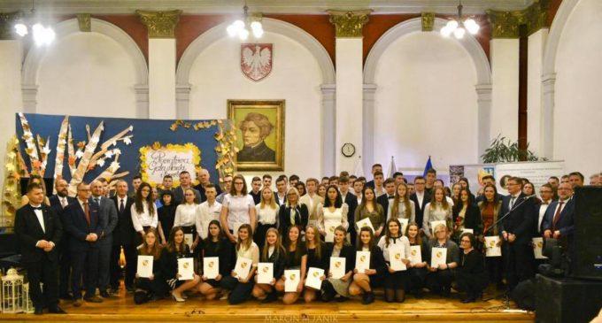 Pierwsza taka gala. Uhonorowali wyróżniających się uczniów i nauczycieli