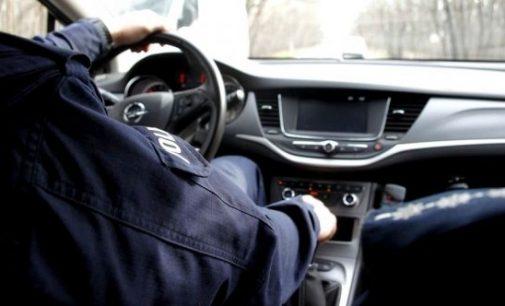 Pijany kierowca mercedesa trafił na policjanta