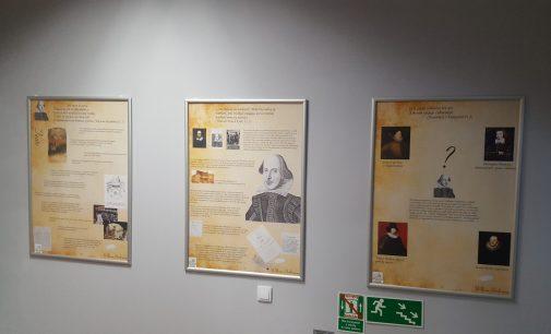 """Nowa wystawa w bibliotece. """"Na tapecie"""" Shakespeare"""